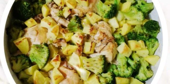Пиле с броколи и картофи